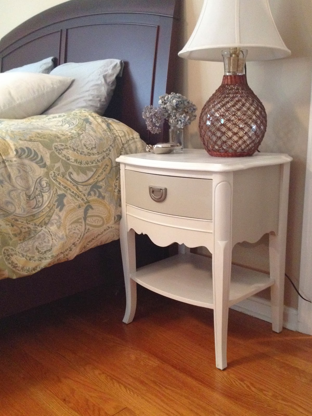 e21a78080b27 Two It Yourself  Yard Sale Nightstands Flip and ReSTOREd Challenge ...