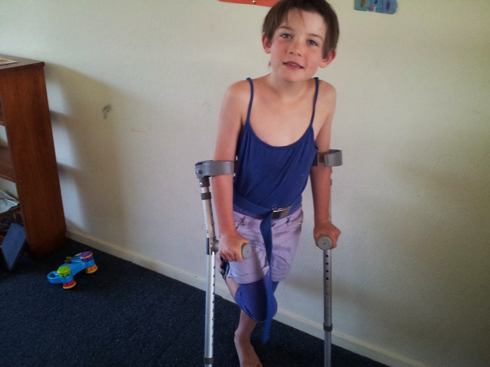 """amummyslifenz"" ""swanepoel sling"" ""perthes disease"" ""crutch and sling system"""