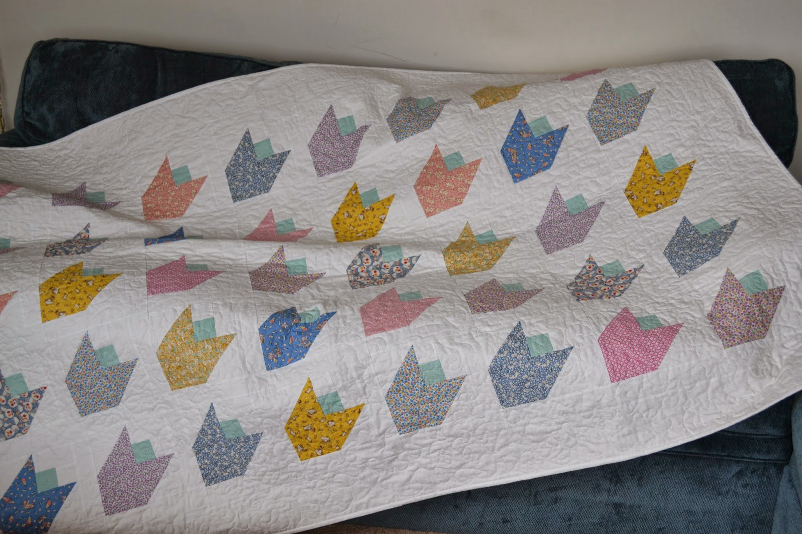 Run N Stitch Spring Tulip Quilt Tutorial