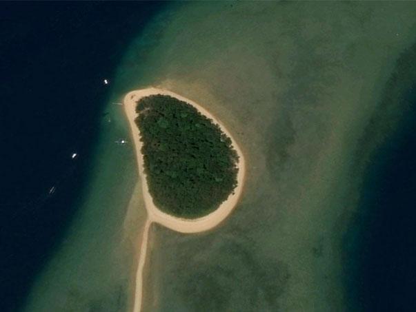 Burdeos Travel The Timelessness of Binumbunan Island and Tasting