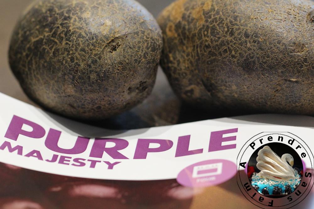 Soupe de pommes de terre purple majesty aux amandes torréfiées