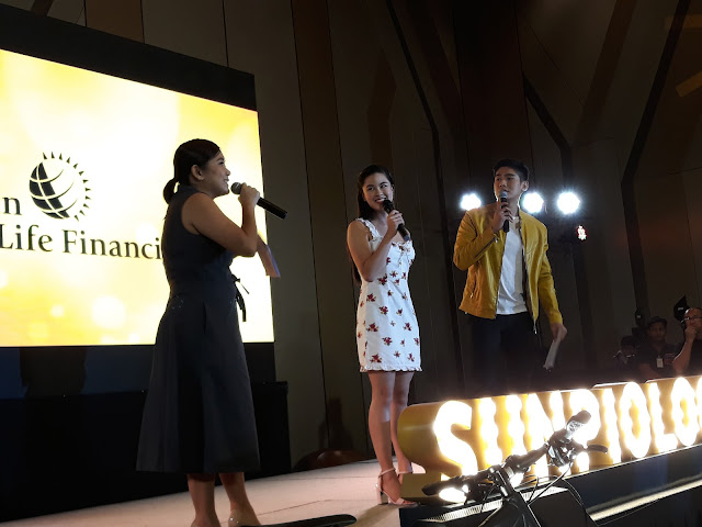 Kisses Delavin, who had full support from her Kissables.  Kisses is photographed with the night's hosts, Len Arboleda of Sun Life, and PBB housemate, Robi Domingo.