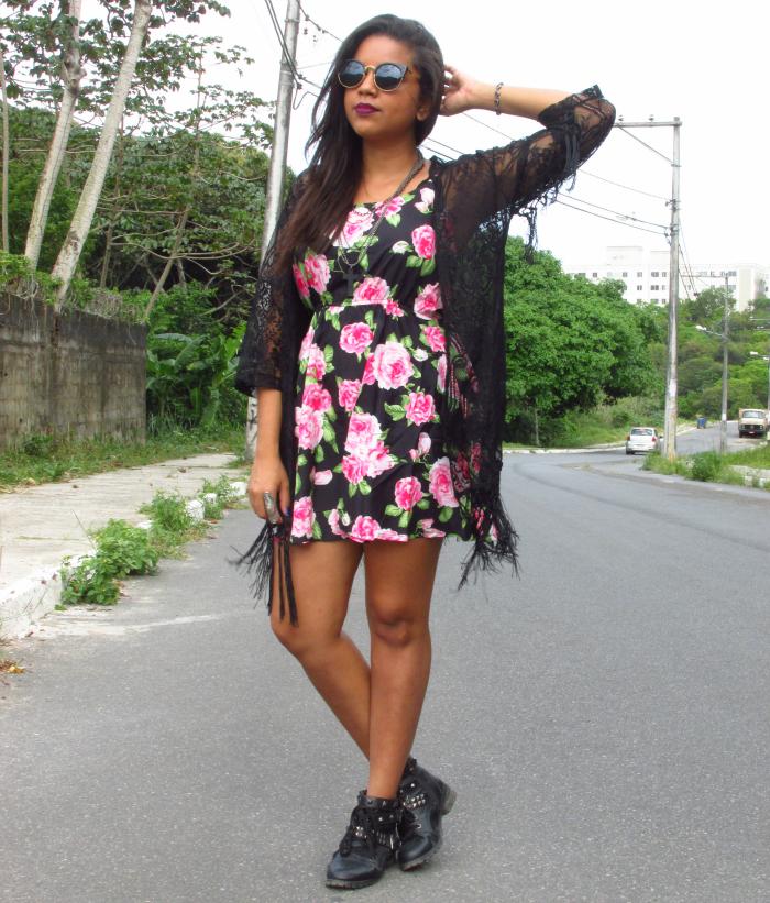 Kimono de renda, vestido floral, Look Dark Romantic, natália sena