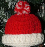 http://translate.googleusercontent.com/translate_c?depth=1&hl=es&rurl=translate.google.es&sl=en&tl=es&u=http://cobblerscabin.wordpress.com/happy-hookin/hat-ornament-free-crochet-pattern/&usg=ALkJrhh5VZVEHR4Q3rMD9NWt3k9CiMPp0g