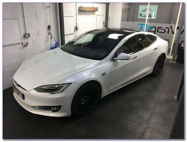 White Car With TINTED WINDOWS Pictures