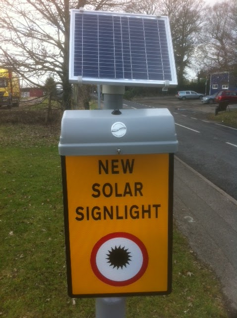Street Furnishings Solar Powered Sign Light Unit