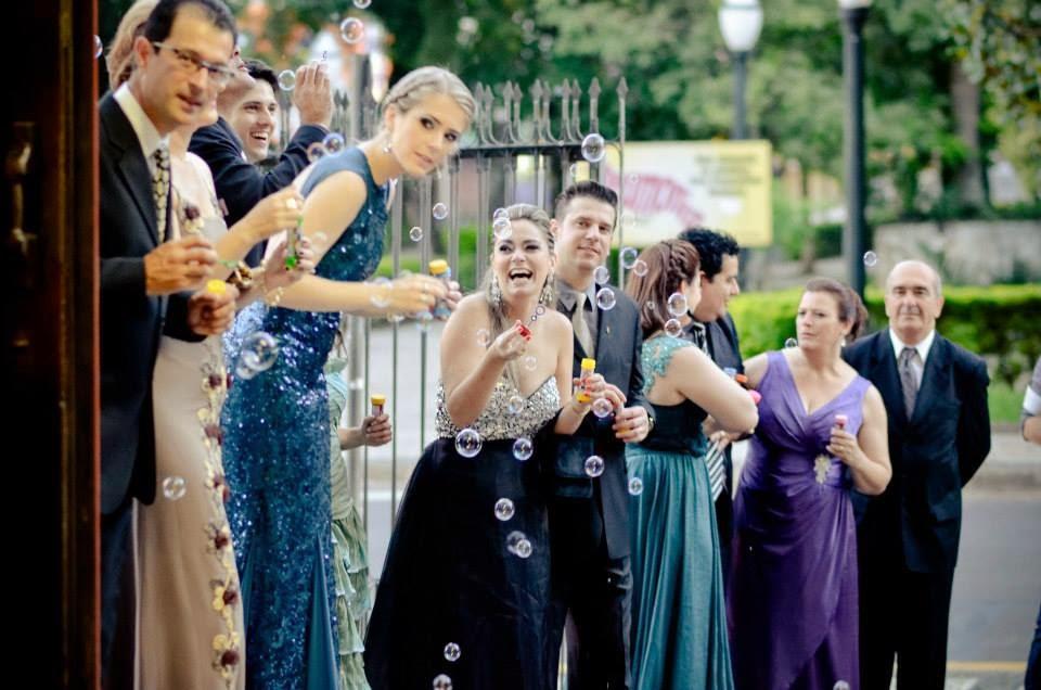 cerimonia-noivos-saida-noivos-bolhas-sabao-convidados