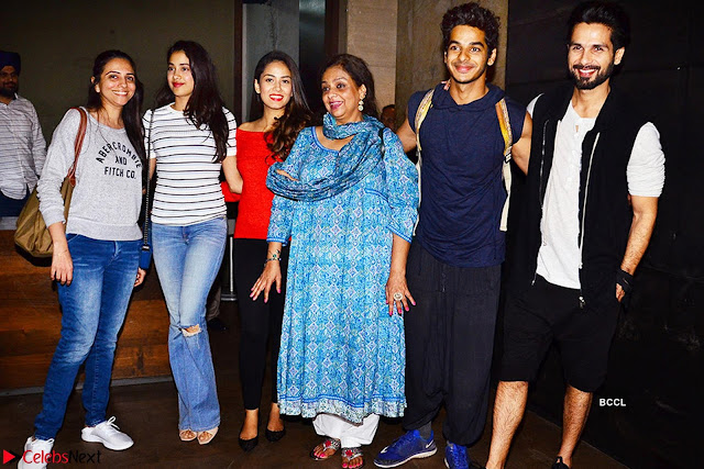 Jhanvi Kapoor and Ishaan Khattar   The Dhadak Movie Pair Spotted Dining Together ~  Exclusive Galleries 001.jpg
