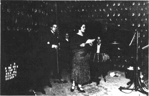 Azucena Maizani en 1925