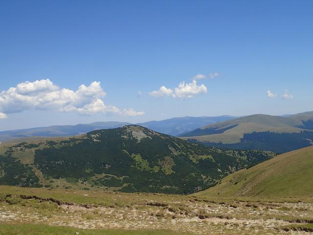 Góry w okolicach Transalpiny wyglądają jak Borżawa