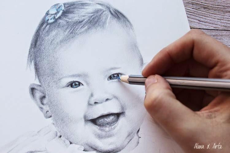 Dibujo a lápiz de un bebé