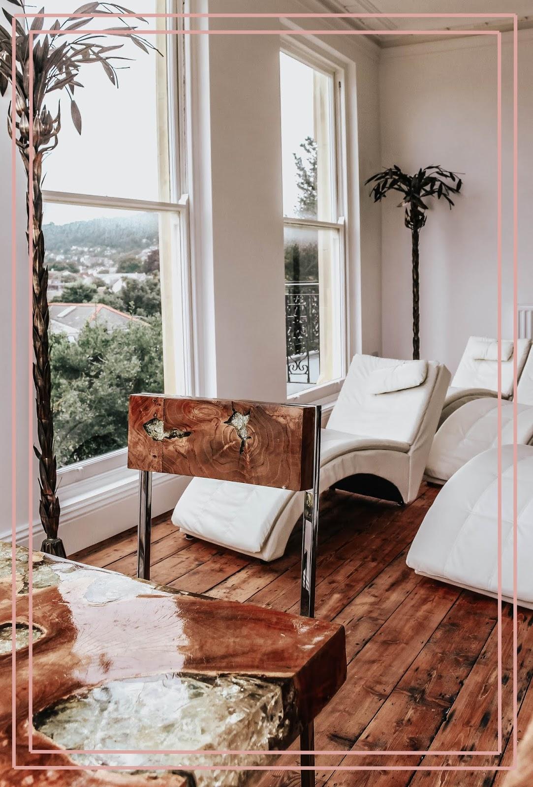 Slimmeria Retreat Devon White Room Loungers