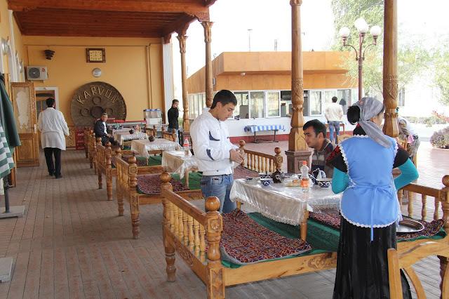 Ouzbékistan, Kokand, chaïkhana Karvan, tapchane, tapshan, © L. Gigout, 2012