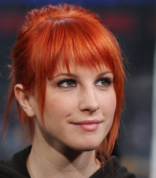 Hayley Williams Golden Brown Hair Highlights Hairstyle