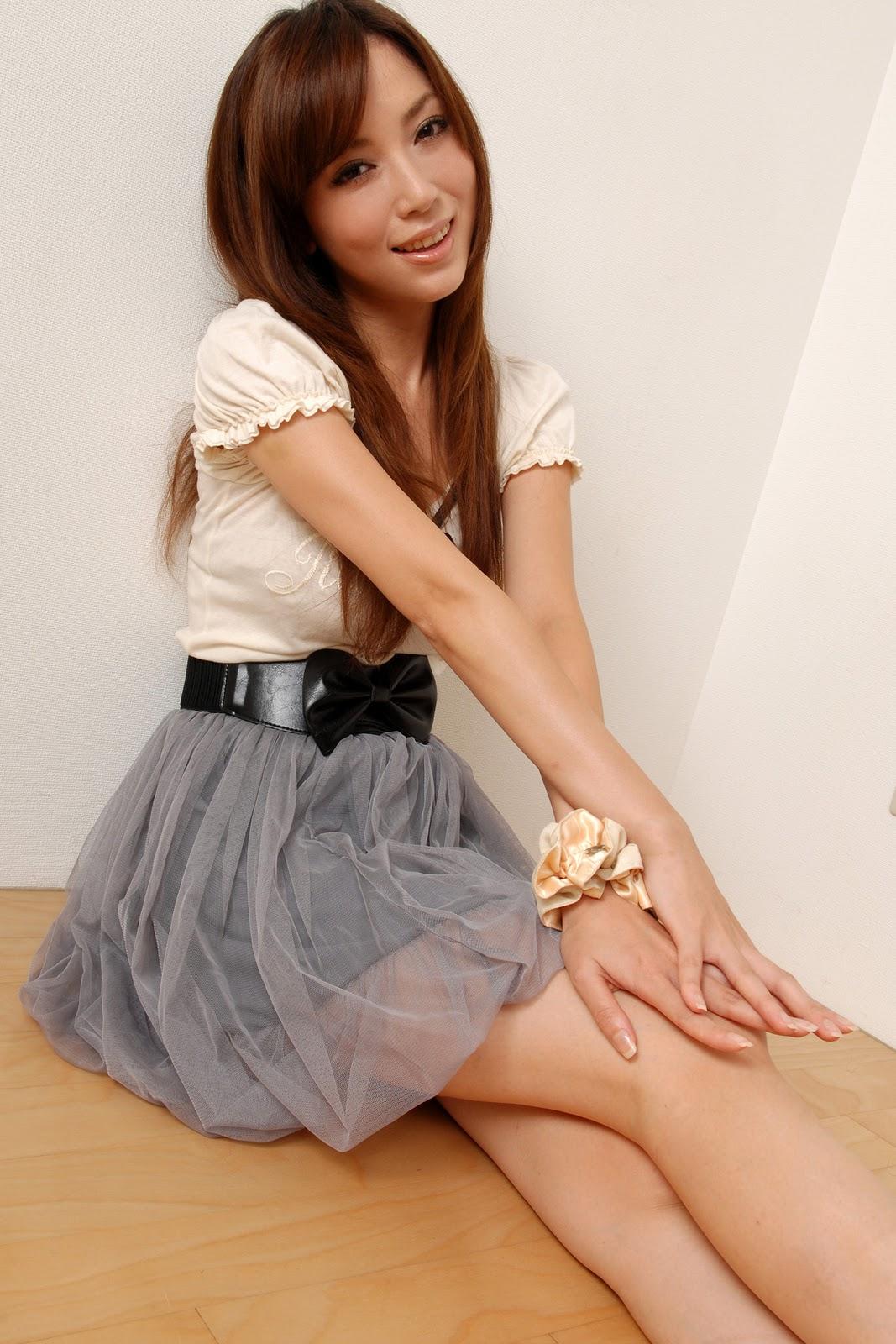 Asian Cute Girl Gallery  Miyu Ohya In Cute High Waist Dress
