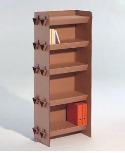 Revista digital apuntes de arquitectura muebles de cart n for Estantes de carton