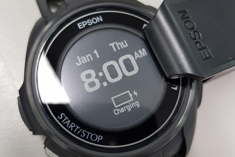 [運動手錶] Part.II 產品開箱分享:EPSON WristableGPS J-300B/J300全能鐵人教練