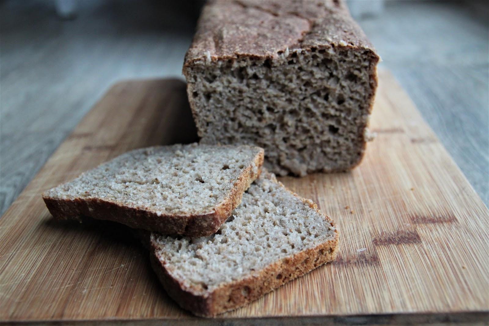 Chleb żytni pełnoziarnisty na zakwasie
