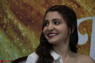 Anushka Sharma with Diljit Dosanjh at Press Meet For Their Movie Phillauri 033.JPG