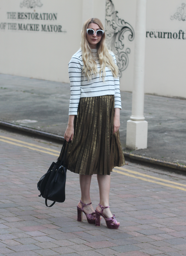 how to wear horizontal stripes fashion blog