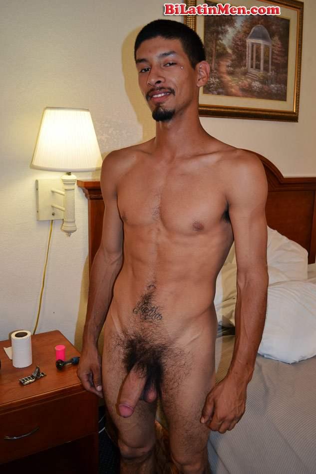 Male Celebrity Nude Selfies