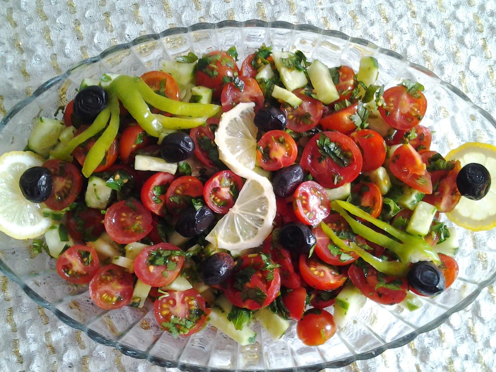 Çoban Salata Nasıl Yapılır