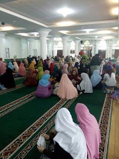 Edukasi Kesehatan kepada Jamaah Haji Kbih Nurul Iman bersama GEMAHATI dan SUSU HAJI SEHAT, Kota Padang