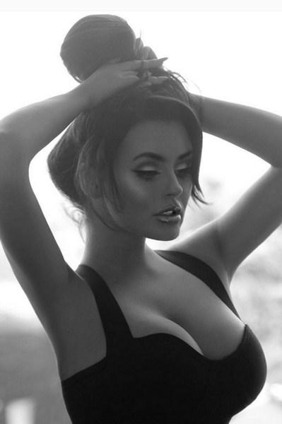 Foto - foto Model Cantik Abigail Ratchford