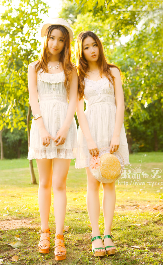 Cute Meng Lu Promote iPhone 4   Really Cute China Girls