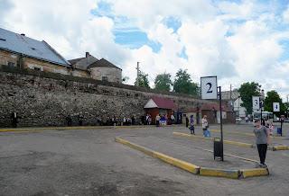 Жовква. Автостанція під мурами Домініканського монастиря