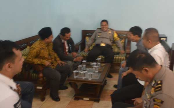 petugas keamanan antisipasi konflik pilkada cirebon