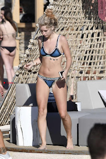 Lottie-Moss-in-Blue-Bikini-2017--14+%7E+SexyCelebs.in+Exclusive+Celebrities+Galleries.jpg