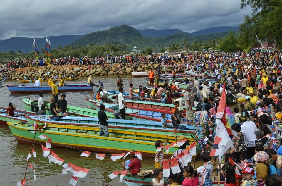 Tradisi Kenduri Laut, Tradisi di Tapanuli Tengah Sumatra Utara