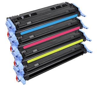 Materiale non omogeneo, ossia di una polvere finissima con particelle di carbone, ferro e resina, utilizzato nelle fotocopiatrici e in alcune stampanti per la riproduzione di copie o di stampe di dati digitali