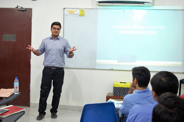 Syed Faizan Ali Motivating Students of SZABIST