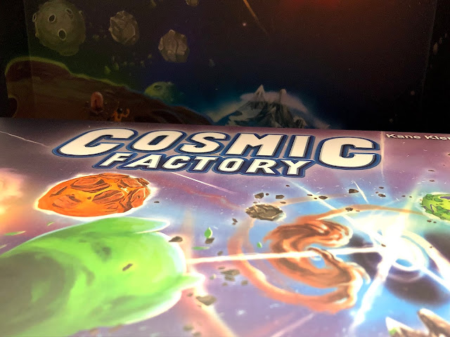 Cosmic Factory Board Game Review on Everything Board Games - Kaosmos - Gigamic - Photo by Benjamin Kocher
