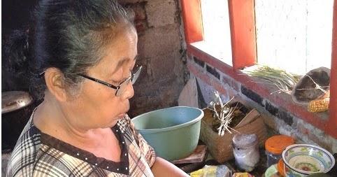 Menghabiskan Makanan Salah Satu Bakti Ibu Akriko Gambar Memasak Dapur