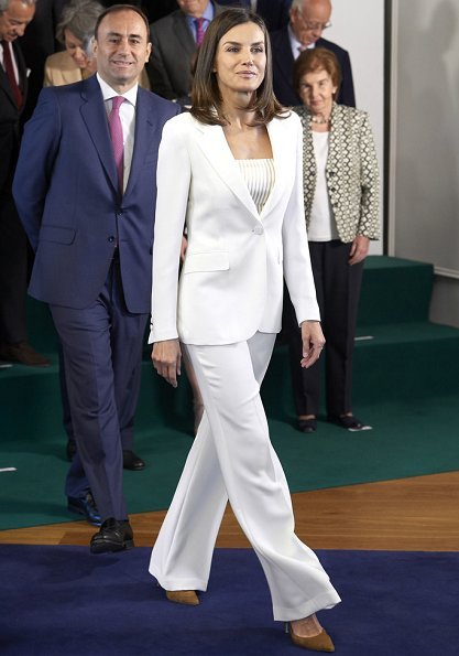 Queen Letizia looked radiant in white, debuting a crisp wide leg pantsuit by Carolina Herrera