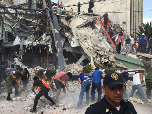 #LatestUpdate : At least 149 people were dead in Mexico City after a magnitude-7.1 earthquake .