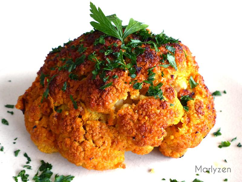 Chou-fleur rôti au beurre à l'ail et aux épices