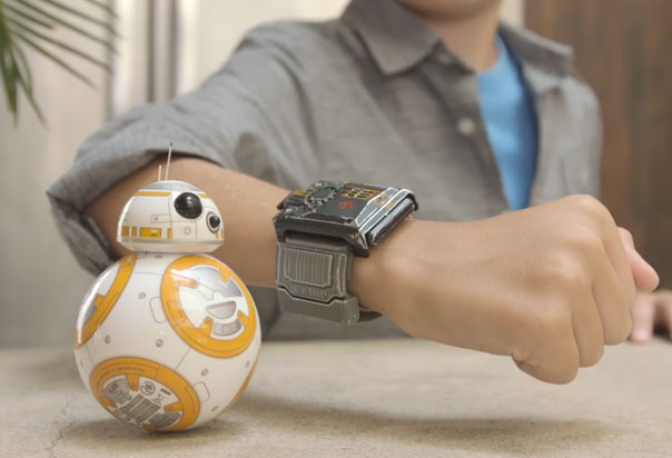 BB-8 Special Edition Review - Force Band experience allows you to go deeper into the Star Wars galaxy, Master gesture driving with a brand new adventure, view your collection of Holocrons found in Force Awareness mode, and explore more ways to play