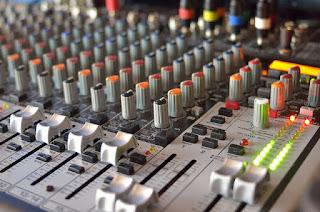 Mengetahui Fungsi Aux Pada Peralatan Audio