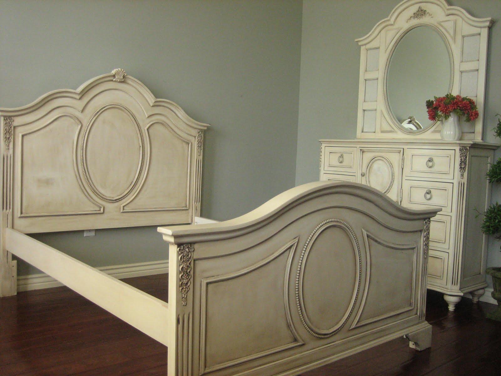 European Paint Finishes: Shabby French Bedroom Set