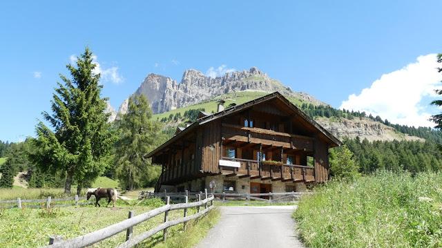 Höhenwanderung am Rosengarten, Dolomiten
