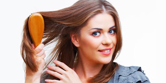 Hasil gambar untuk Pencegahan Yang Harus Dilakukan Saat Menyisir Rambut