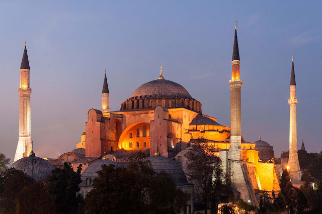 Greek Archaeologists express 'strong concern' over Hagia Sophia, Istanbul
