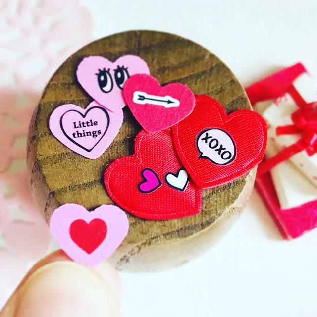 Dollhouse Valentines DIY Tutorial | Linzer Lane Blog | #valentines #dollhousevalentines