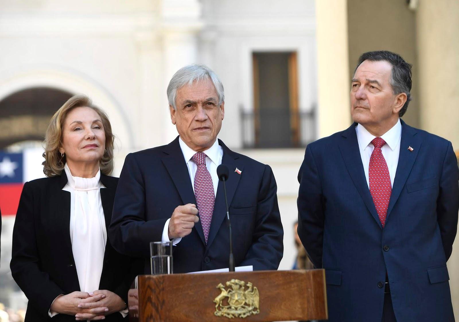 Sebastián Piñera salió airoso desde La Moneda para calificar el fallo de La Haya como contundente / ABI
