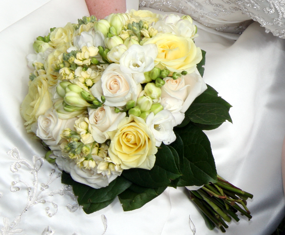 Flowers For Flower Lovers.: Wedding Flowers Bouquet Pictures