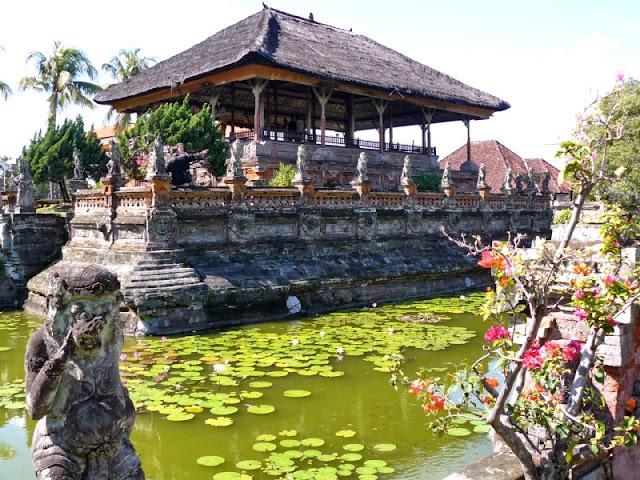palacio de justicia klungklung bali